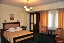 Хотелско обзавеждане 12