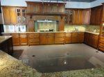 Кухня с плот от Технически Камък 1