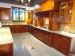 Кухня с плот от Технически Камък 3